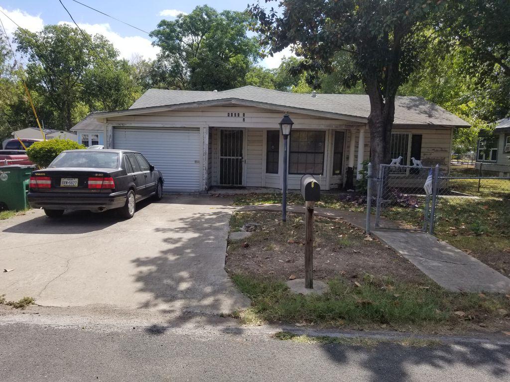 1121 1/2 Henninger St, Austin, TX 78702