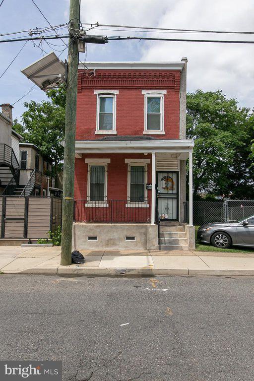 409 Chestnut St, Camden, NJ 08103