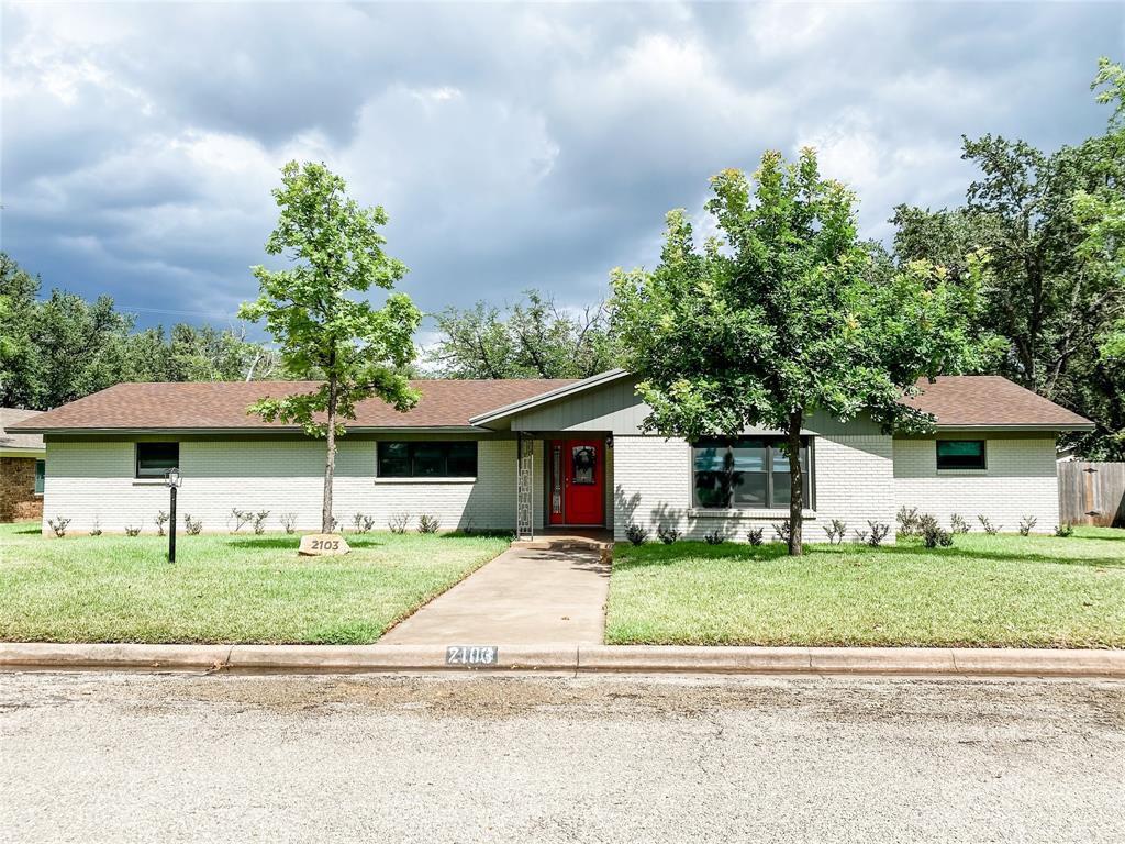 2103 S High St, Brady, TX 76825