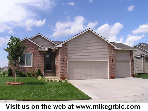 8218 W 34th St N, Wichita, KS 67205