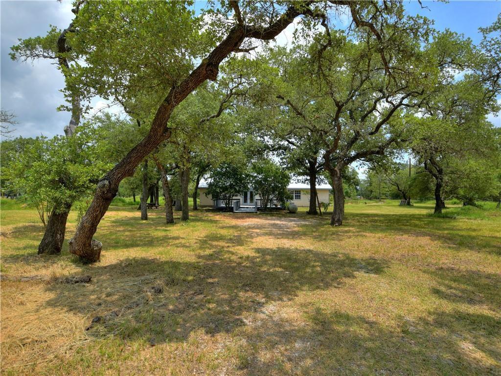1143 Private Road 2332, Giddings, TX 78942