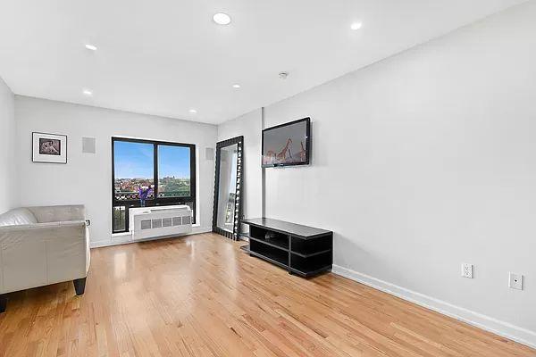 775 Lafayette Ave #9D, Brooklyn, NY 11221