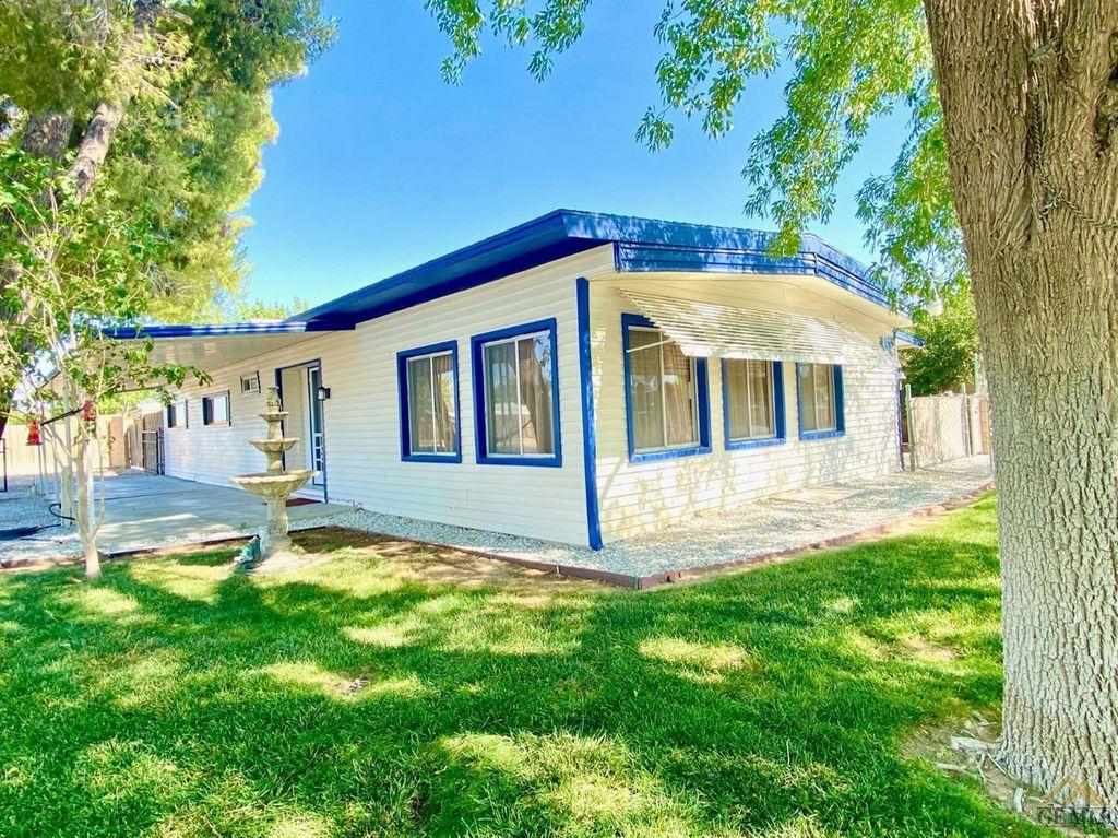 145 Camp Fire Dr, California City, CA 93505
