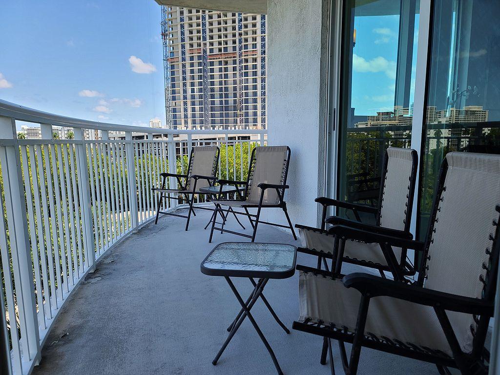 1755 E Hallandale Beach Blvd, Hallandale, FL 33009