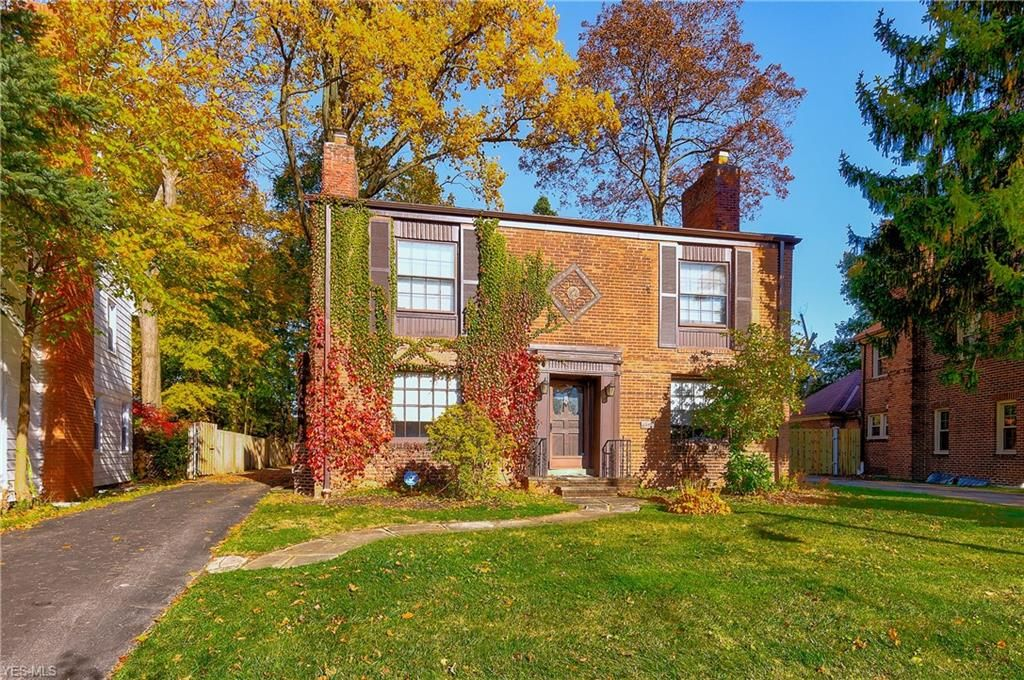 3549 Lytle Rd, Shaker Heights, OH 44122