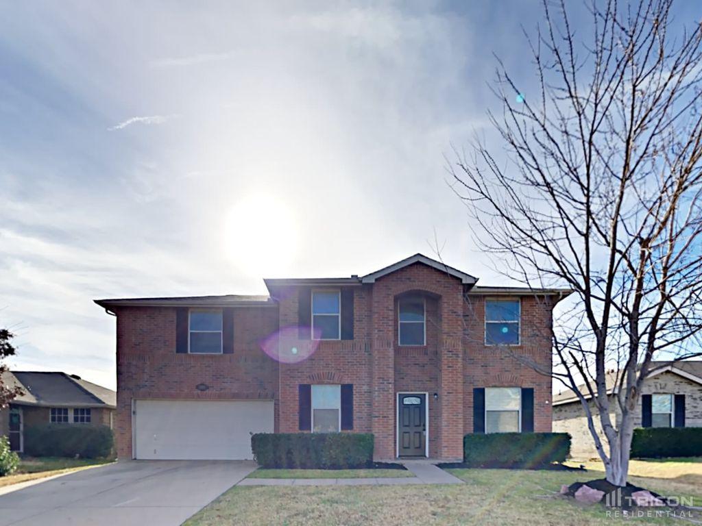 2410 Claremont Dr, Grand Prairie, TX 75052