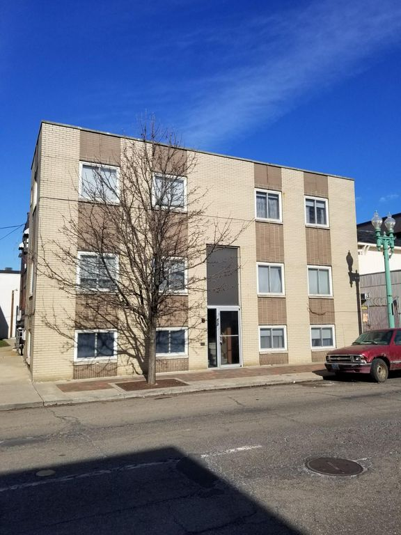 417 McKinley Ave NW #100, Canton, OH 44702