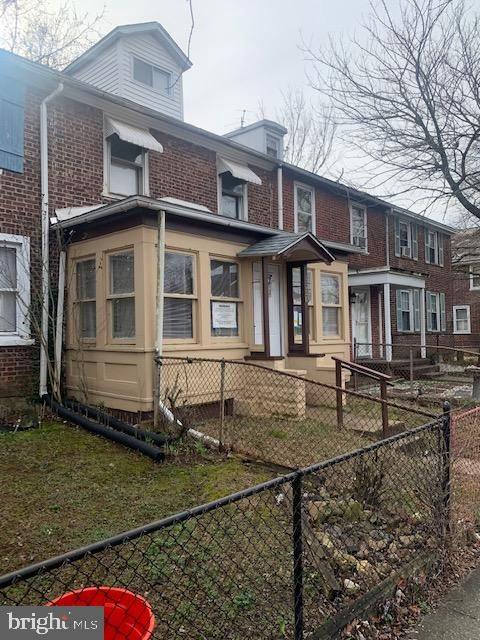 3008 Kearsarge Rd, Camden, NJ 08104