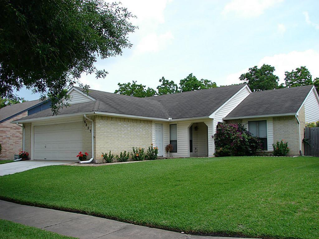 6823 Blue Ridge Dr, Richmond, TX 77469