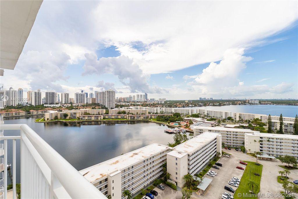 Aventura Blvd, Miami, FL 33180