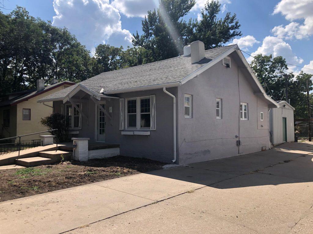 435 N Chautauqua Ave, Wichita, KS 67214