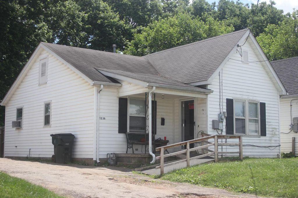 1238 Hammond Ave, Lexington, KY 40508