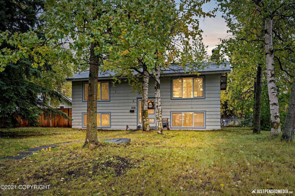 1308 E 27th Ave, Anchorage, AK 99508