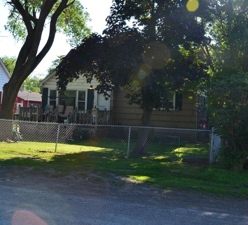 2324 Fairbanks St, Gary, IN 46406