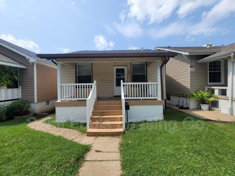 4607 S Spring Ave, Saint Louis, MO 63116