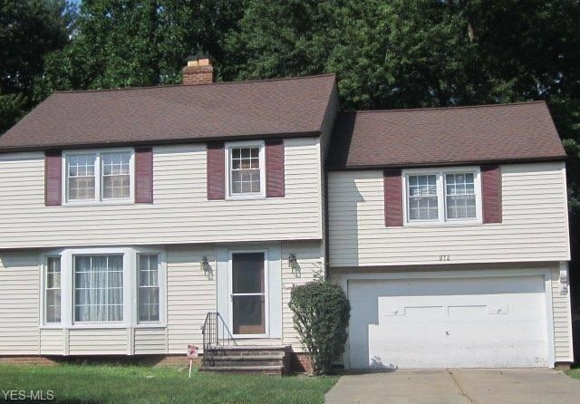 972 Professor Rd, Cleveland, OH 44124