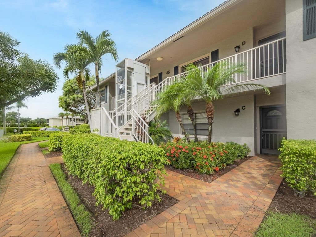 48 Stratford Ln #D, Boynton Beach, FL 33436