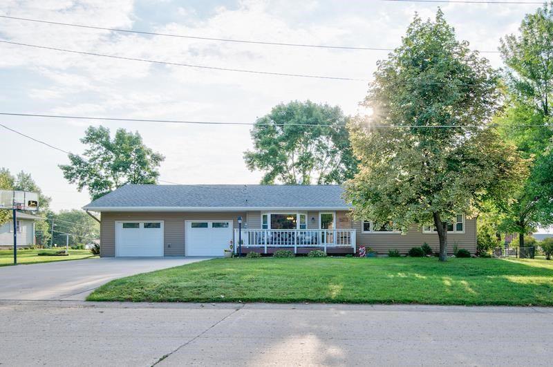 1003 Lakeside Ave, Lake Park, IA 51347