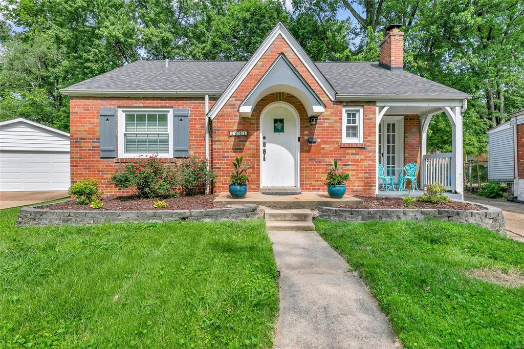 1081 Colby Ave, Saint Louis, MO 63130