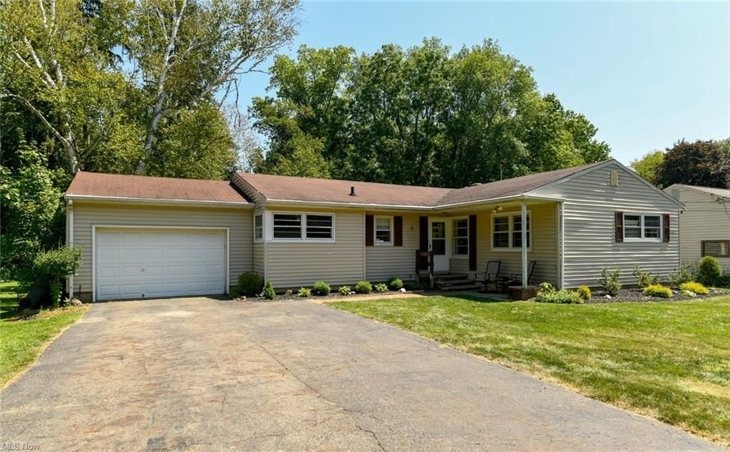 179 Parkview Ave, Wadsworth, OH 44281