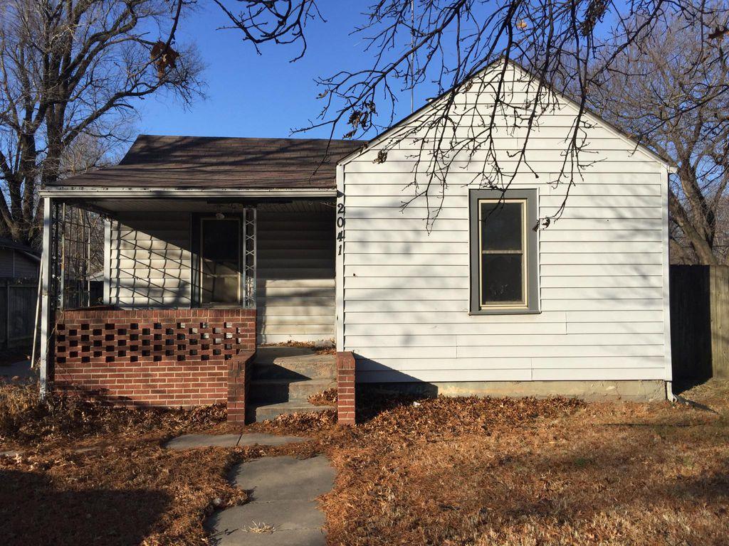 2041 S Washington Ave, Wichita, KS 67211