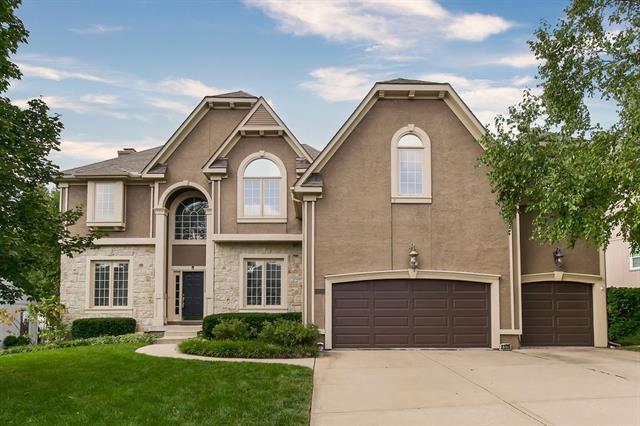 13726 Cody St, Overland Park, KS 66221