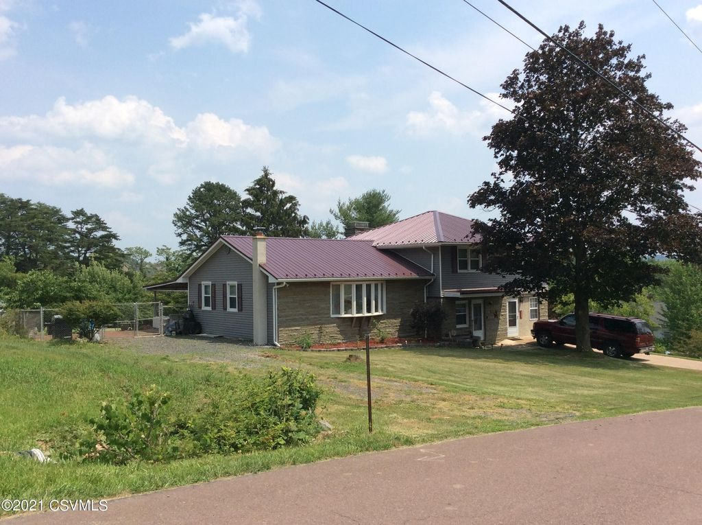 115 Red Oak Dr, Danville, PA 17821