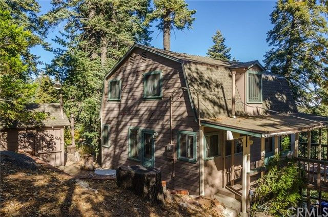 870 Lakeview Ln, Twin Peaks, CA 92391