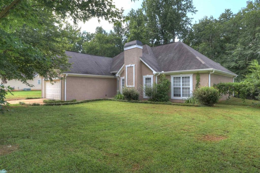 118 Chariot Dr, Griffin, GA 30224