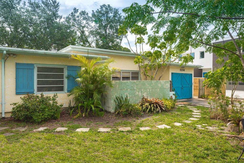 5236 Stevens Dr, Sarasota, FL 34234