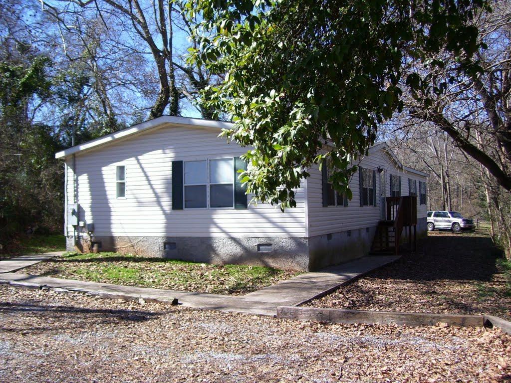 229 S Poplar St, Athens, GA 30601