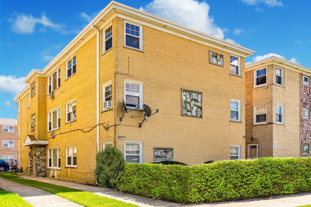5223 N Oakview St #3W, Chicago, IL 60656