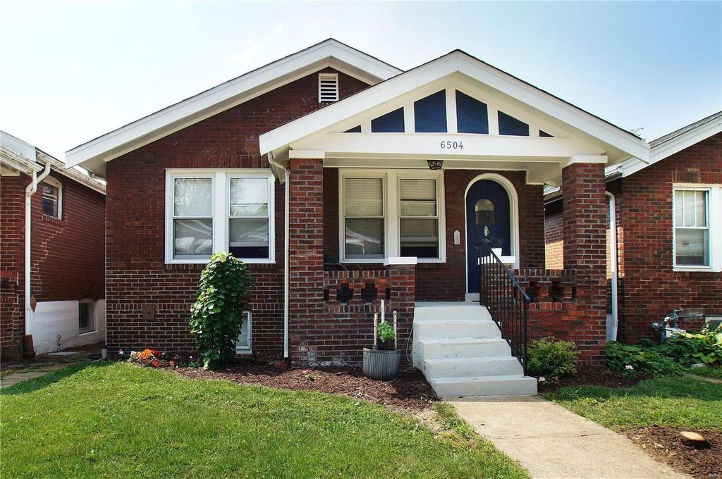 6504 Hoffman Ave, Saint Louis, MO 63139