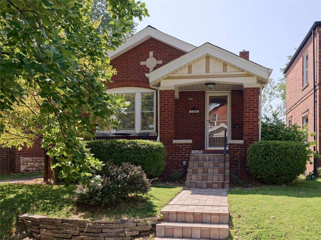 4996 Fairview Ave, Saint Louis, MO 63139