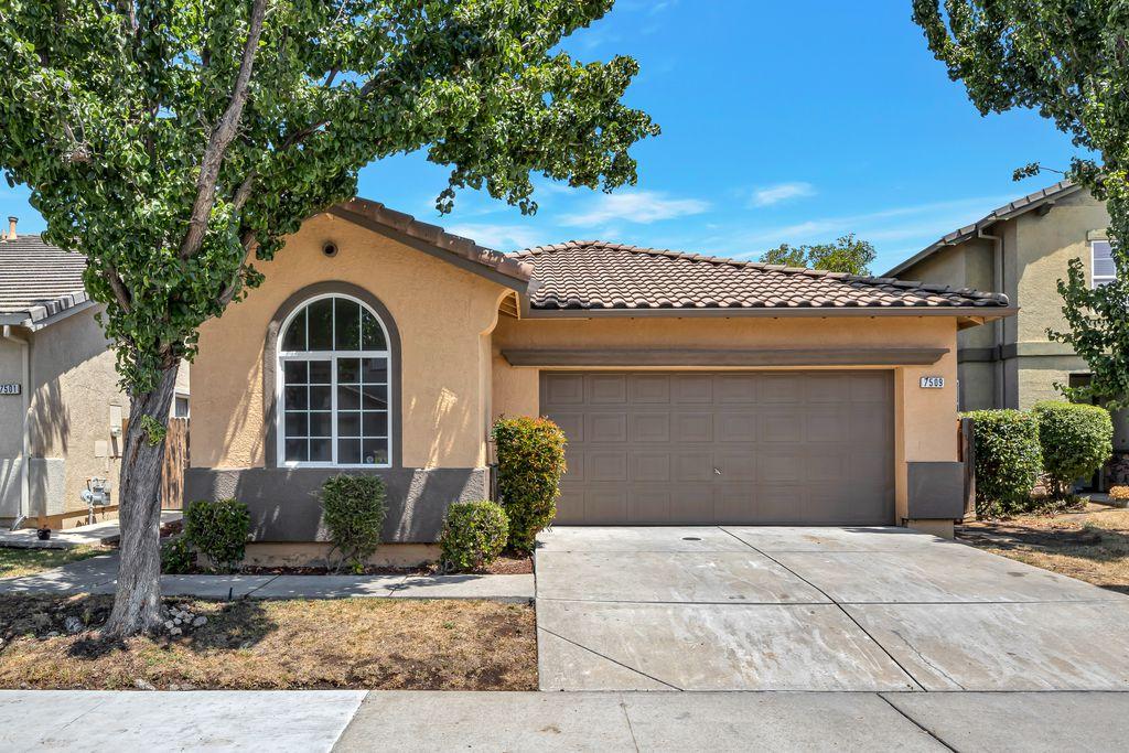 7509 Sun Willow Ln, Sacramento, CA 95823