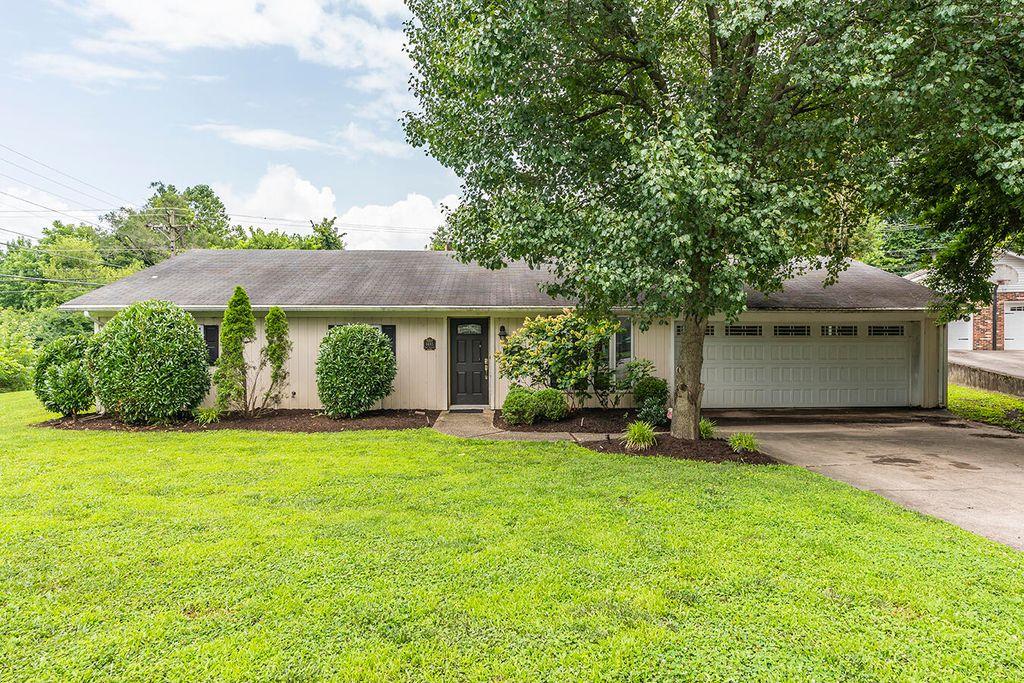 1485 Pine Meadow Rd, Lexington, KY 40504