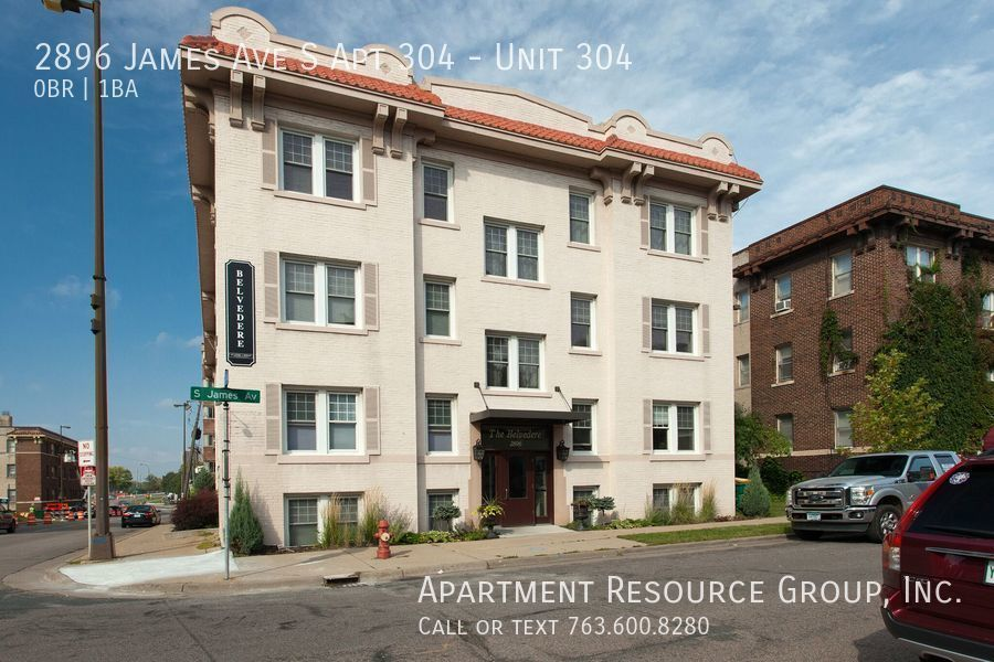2896 James Ave S #304, Minneapolis, MN 55408