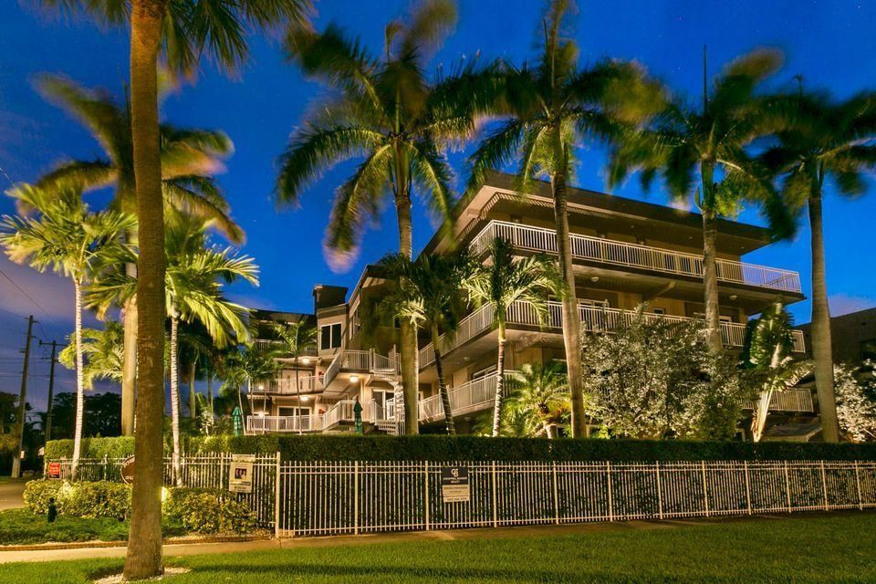 129 S Golfview Rd #8, Lake Worth, FL 33460