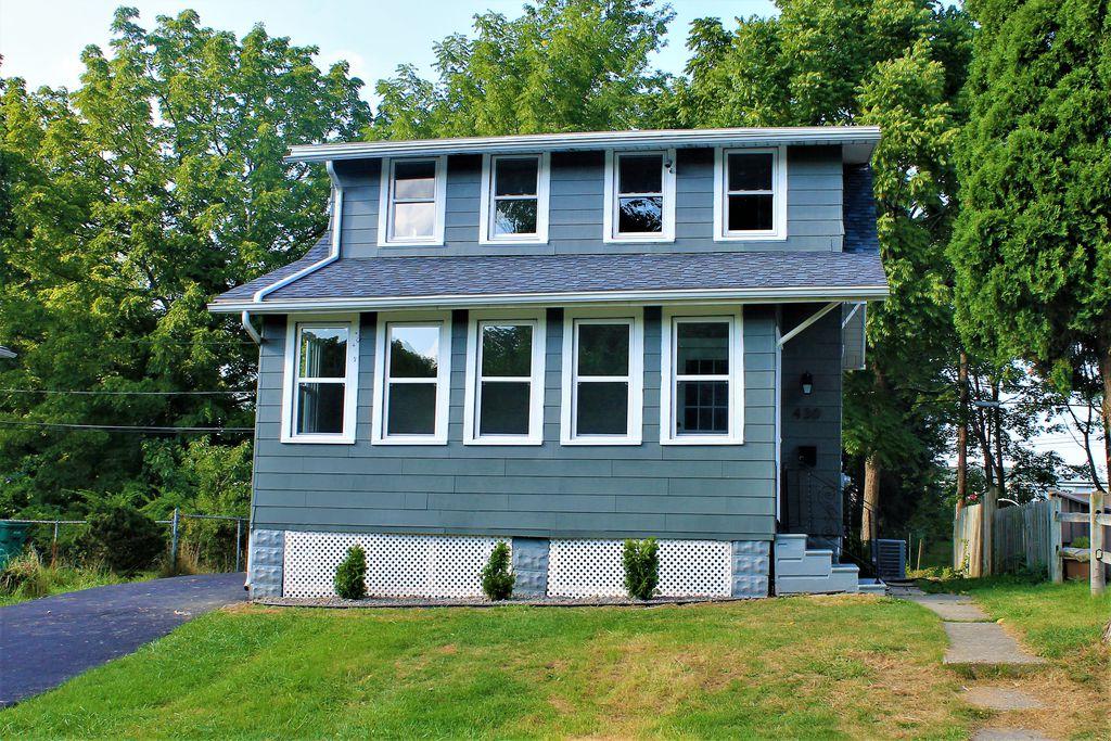 430 Lake Shore Boulevard Ext, Irondequoit, NY 14617