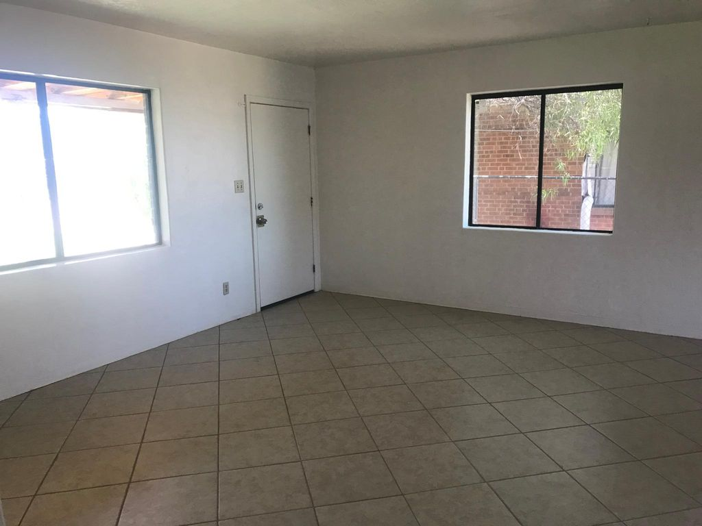 4548 E 17th St, Tucson, AZ 85711
