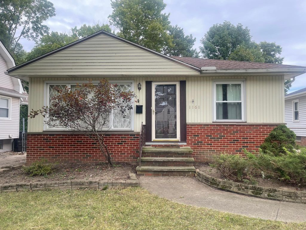 1161 Mayfield Ridge Rd, Mayfield Heights, OH 44124