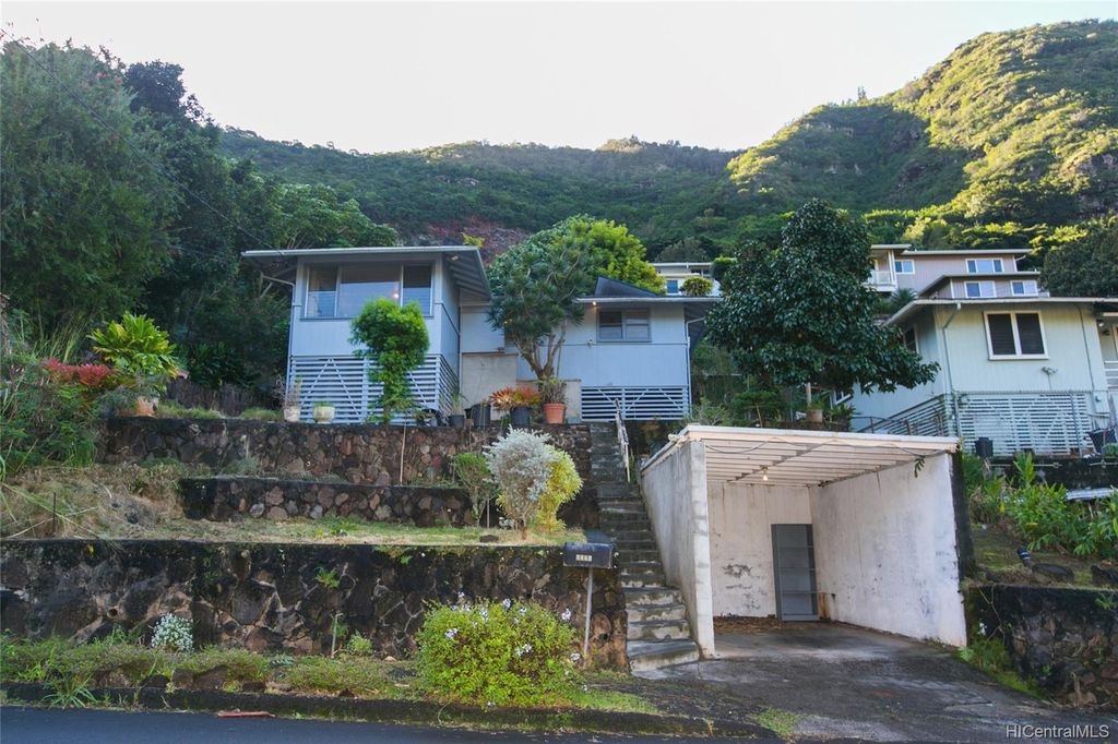 2339 Waiomao Rd, Honolulu, HI 96816