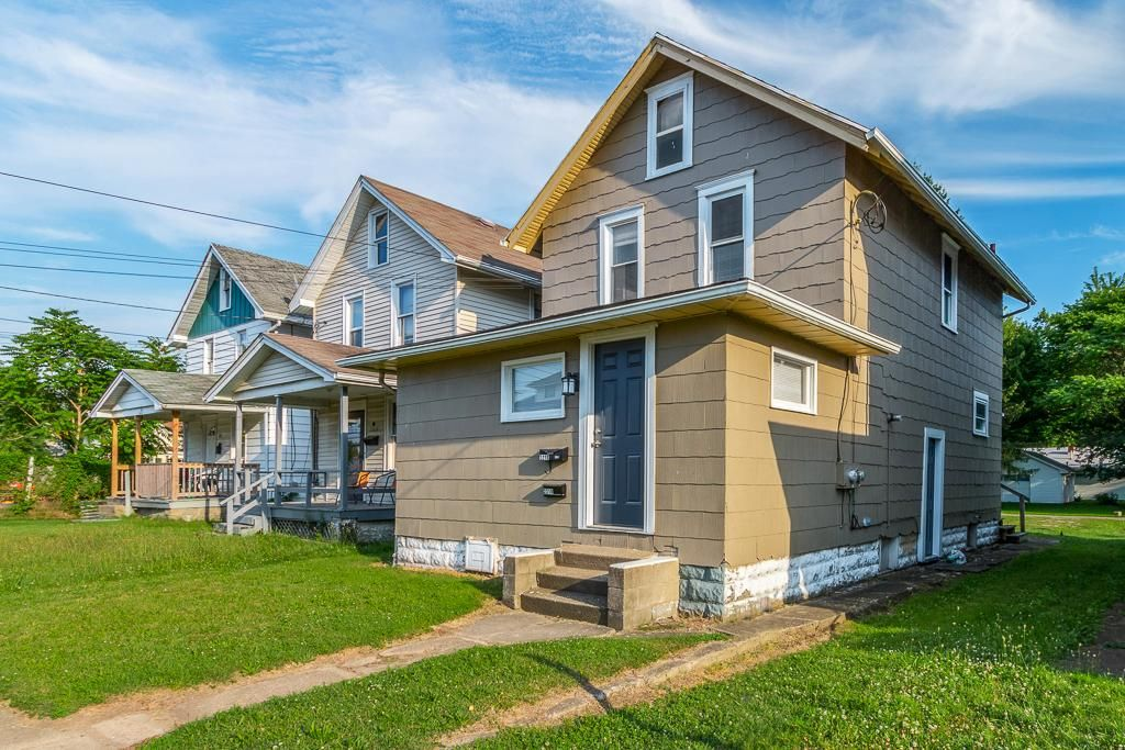2218 11th St SW, Canton, OH 44706