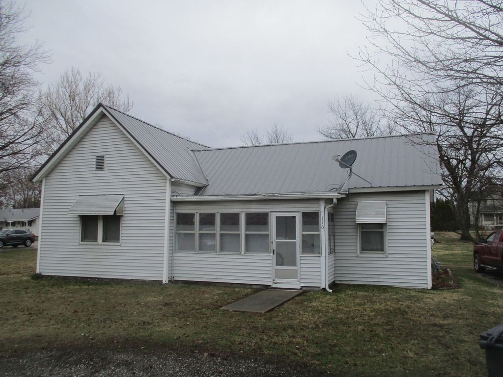116 W Cedar Ave, Atwood, IL 61913