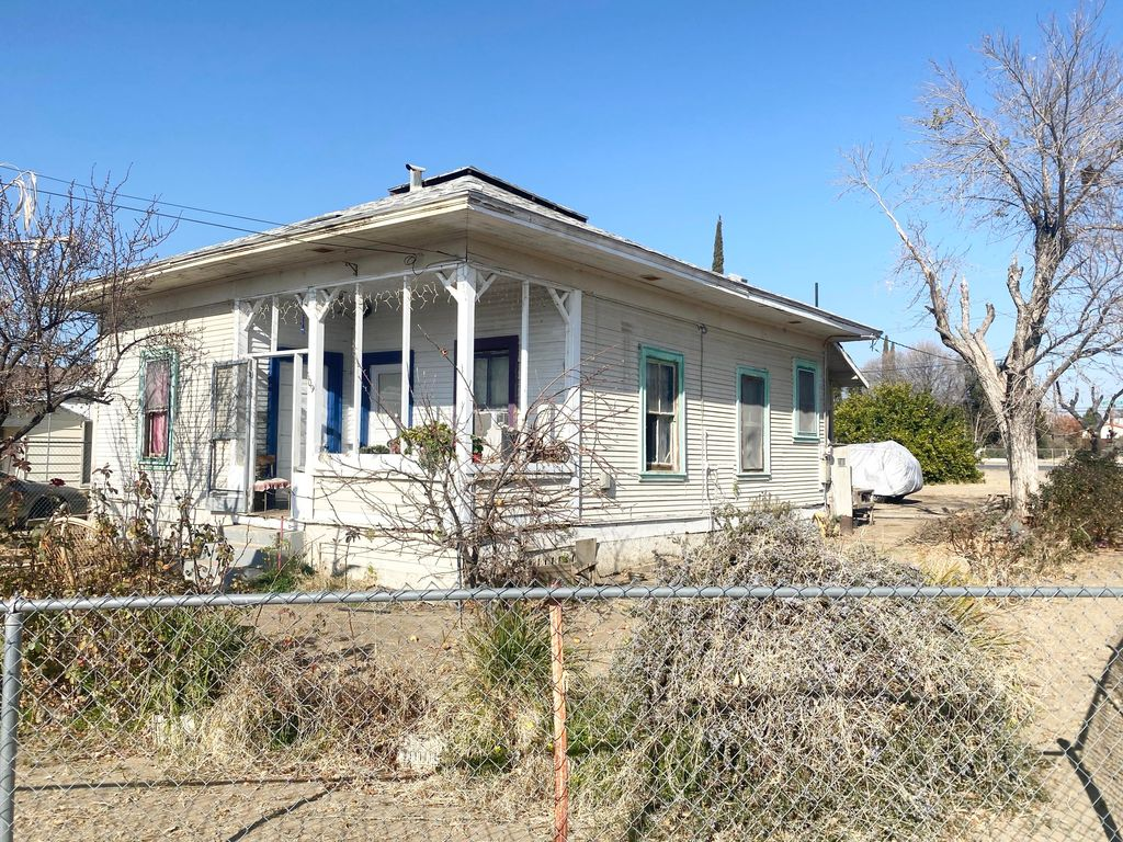 609 E Stanislaus St, Avenal, CA 93204