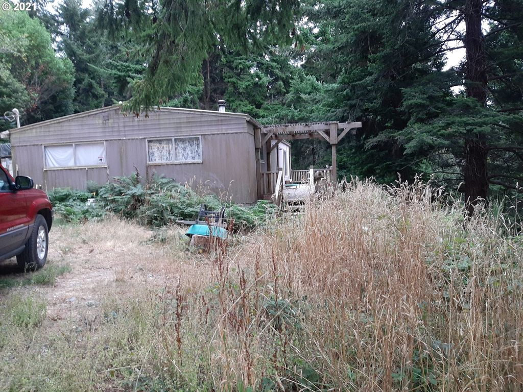 92859 25th St, Pt Orford, OR 97465