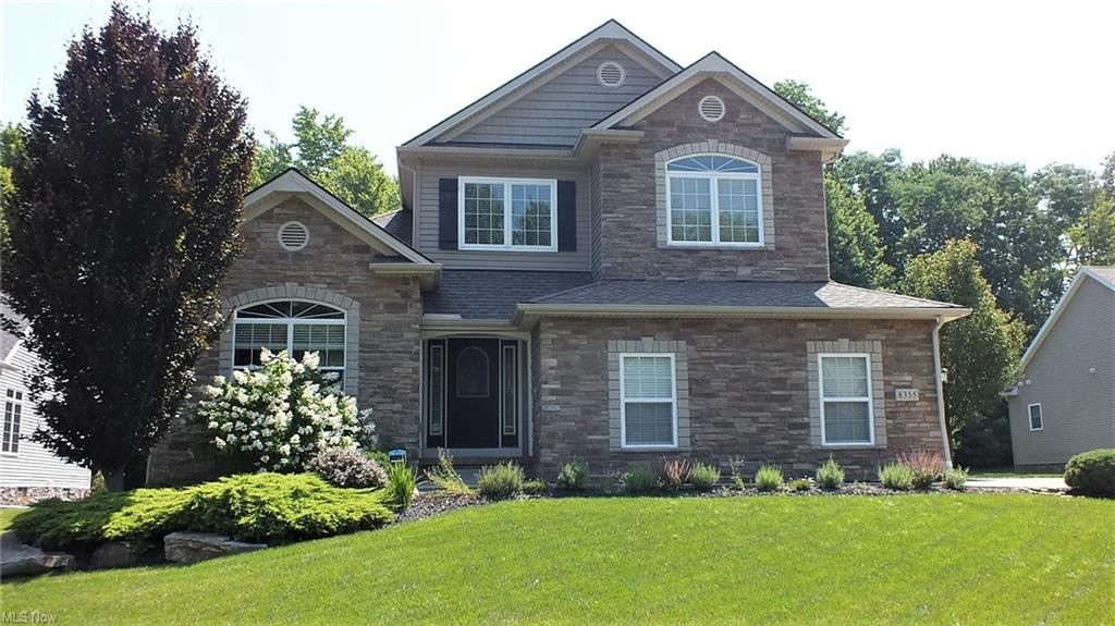 8355 Raleigh Pl, Painesville, OH 44077