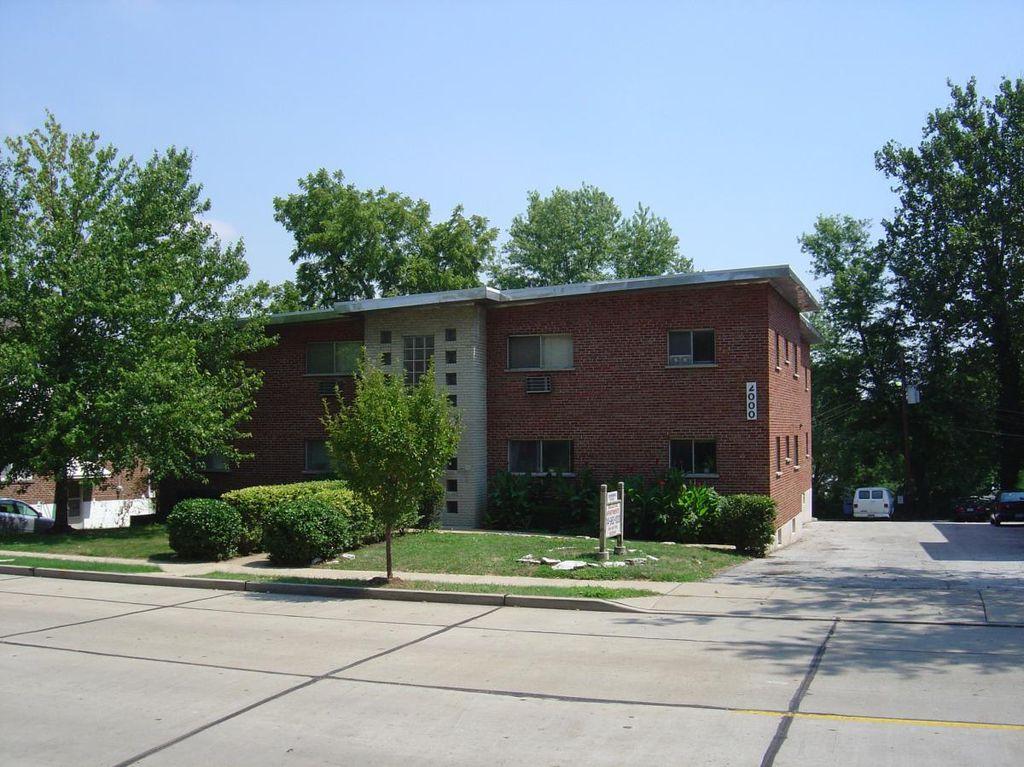 2000 Bellevue Ave #R, Saint Louis, MO 63143