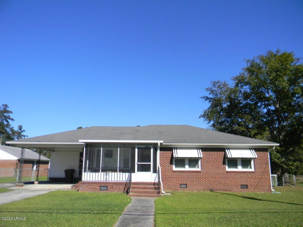 512 Palmetto Ave W, Varnville, SC 29944