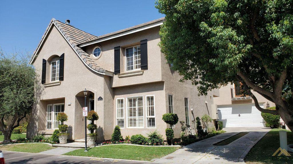 131 Stockdale Cir, Bakersfield, CA 93309